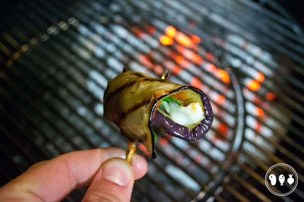 Rolletje van aubergine met mozzarella