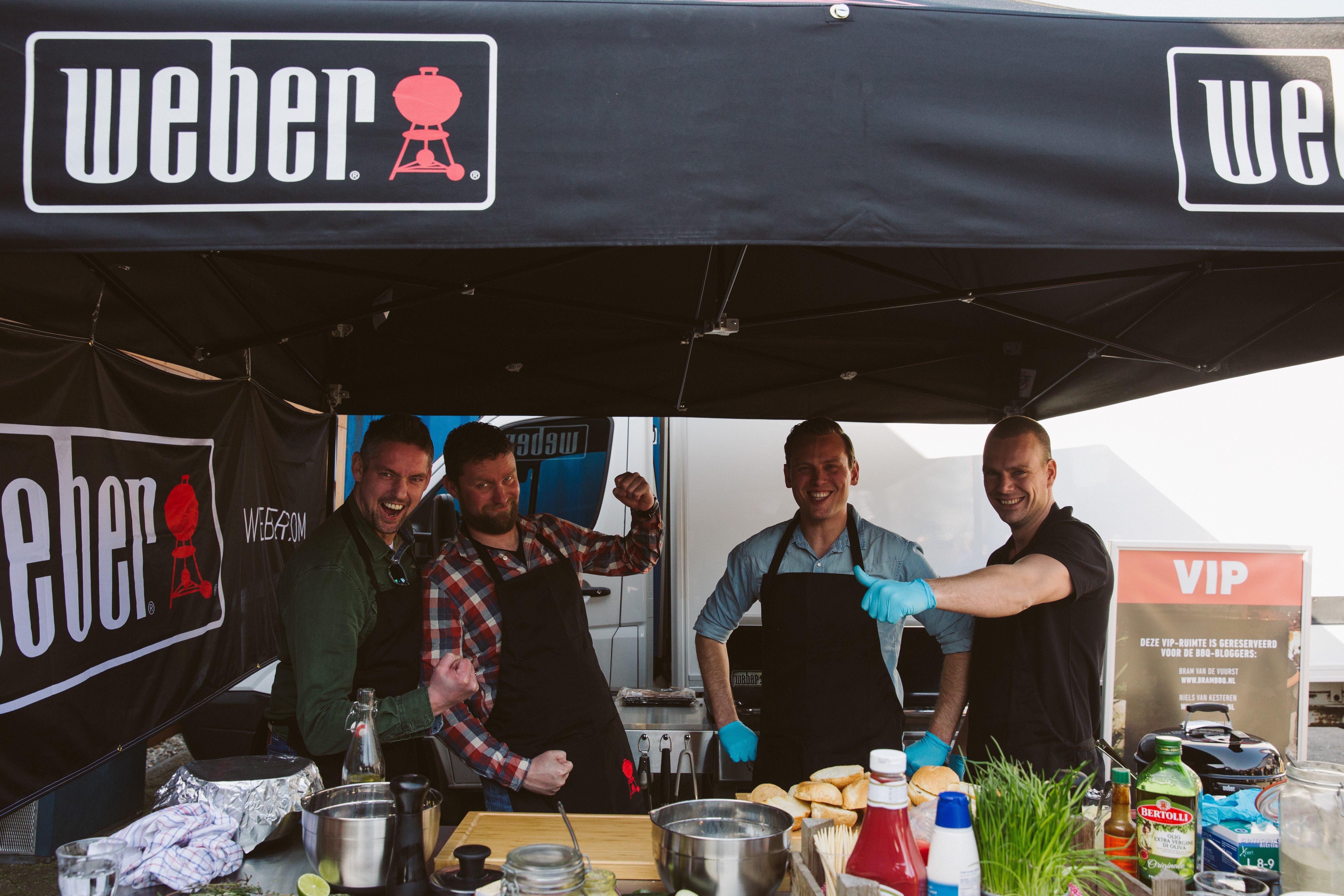 BBQ bloggers knallen bij Weber