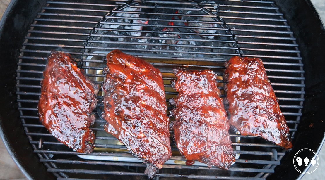 Spareribs in delen bereiden op de BBQ