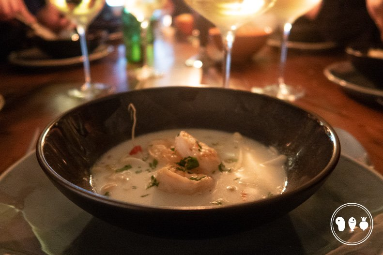 Lekkere soep met kokos en garnalen