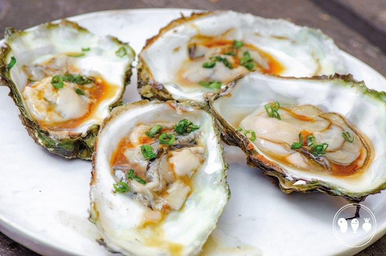 Oosterse oesters met wasabi, gember en ketjap