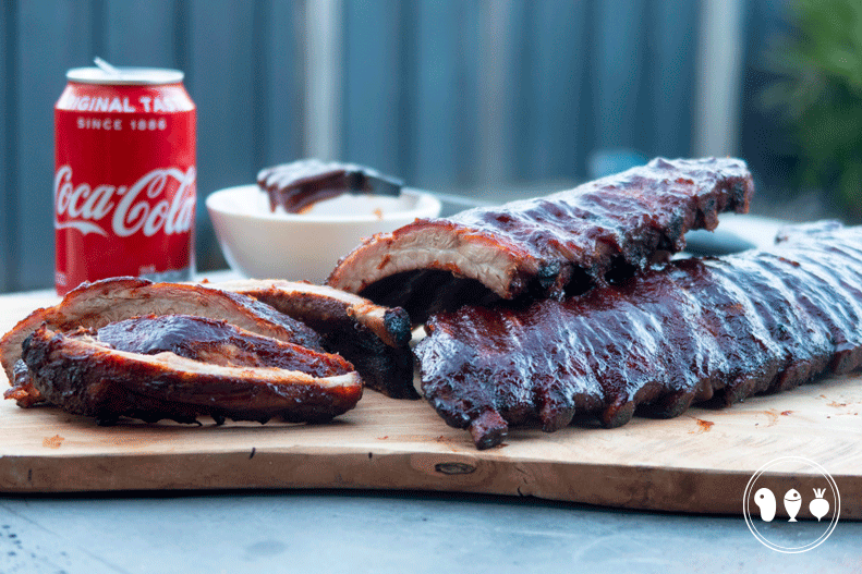 Malse Coca Cola spareribs met cola barbecuesaus.